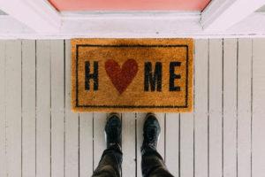 איך לעבור תהליך עיצוב הבית בזוג